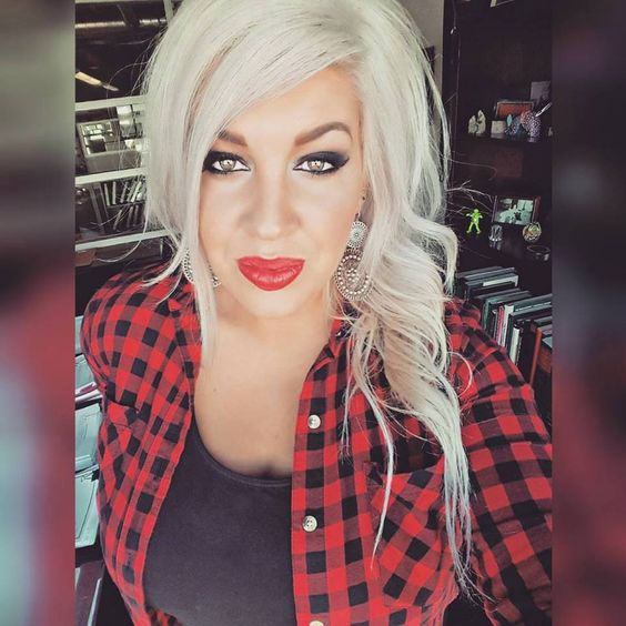 Younique opulence lipstick in #Vain with a smokey eye.    shop here ~~> www.youniqueproducts.com/brittanymarie  #Platinum Blonde #Flannel #Makeup