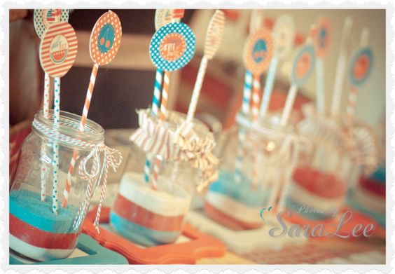 Sweet Little Gals: Mason Jar {July 4th} Centerpiece