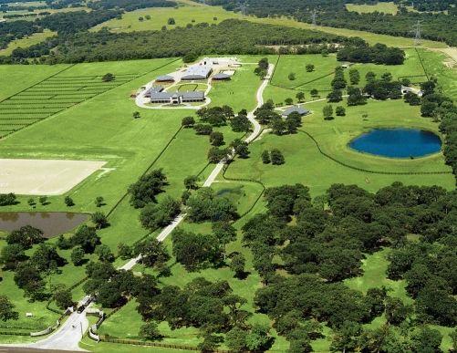 Bela fazenda no Texas - Stargate - Arquitetura Equestre