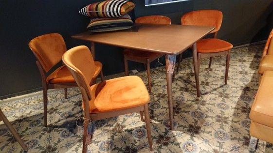 Epingle Par Fred Claude Sur Ton 4 Chaises Orange Brule Chaise