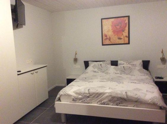 Romantische kamer met bubbelbad in badkamer, wc, TV, kluis, mini-bar