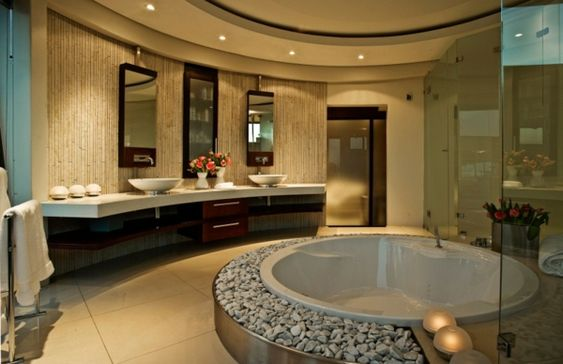 Wellness Oase runde Badewanne  Waschbecken