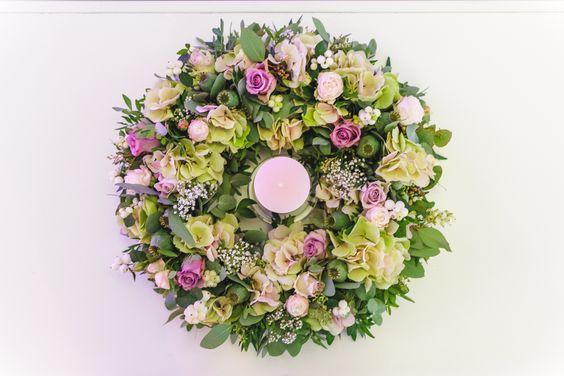 Walter Van Gastel - Trouwdecoratie, tafelstuk, hortensia, roze rozen