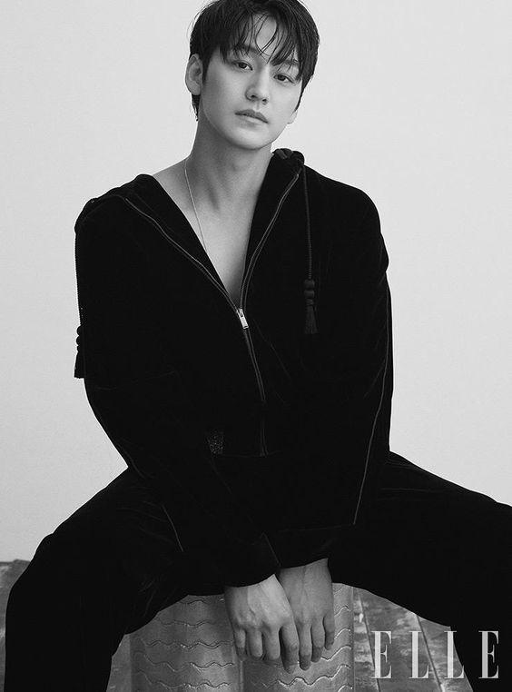 Aktor Korea Tertampan Kim Bun