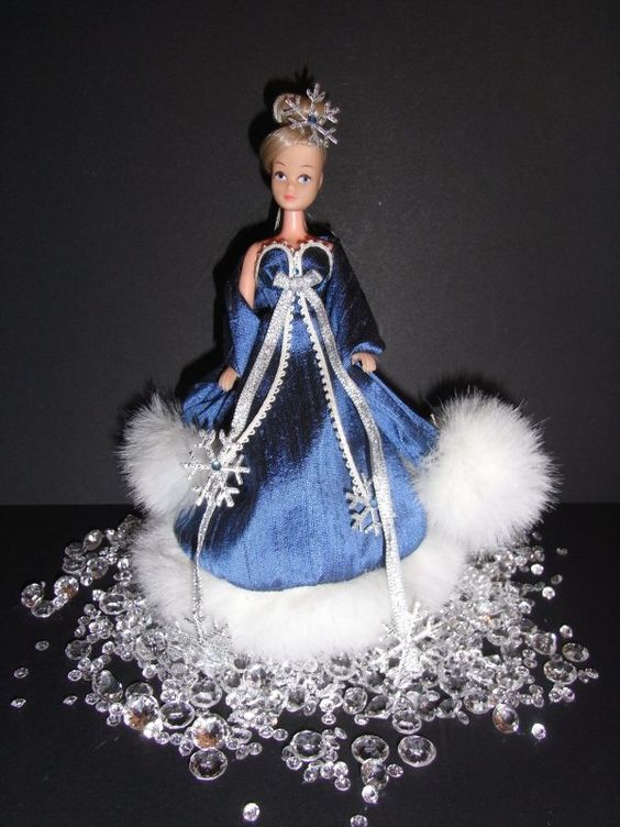 Christmas outfit for Pippa/Dawn dolls...