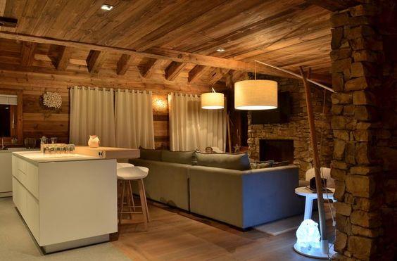 Modern chalet interior design | Blanc cassé, Chalet et Chalet moderne