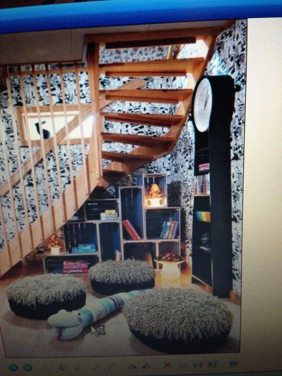 Trappa trappa hylla : Hylla under trappan | Hall trapphus | Pinterest