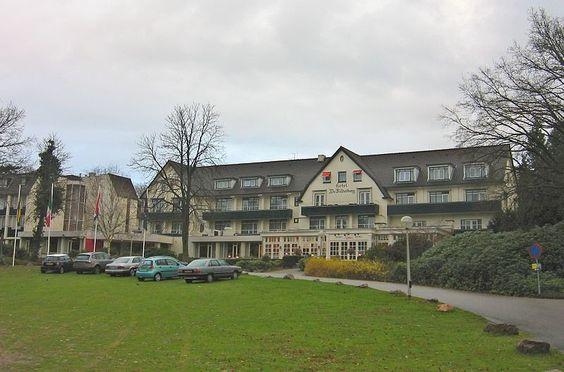 Bilderberg Club: Hotel de Bilderberg OOSTERBEEK, NETHERLANDS: