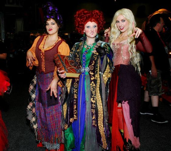 hocus pocus cosplay at comic con