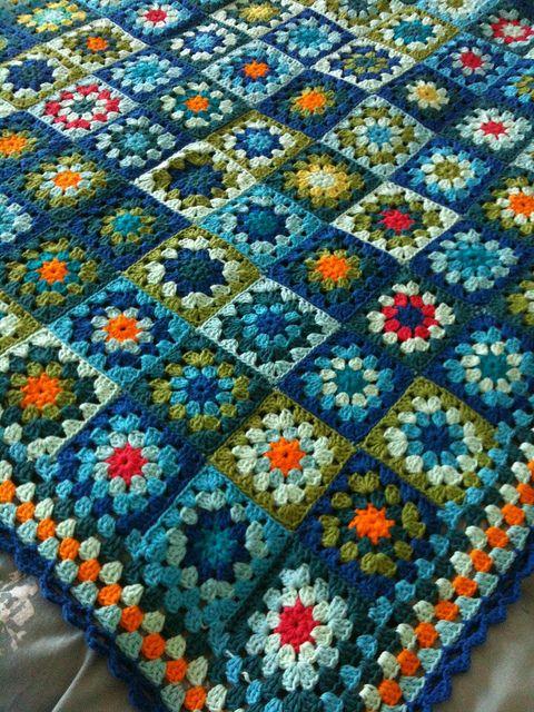 the blues: Crochet Blankets, Crochet Granny Squares, Beautiful Colors, Beautiful Blues, Blanket Crochet, Color Combination