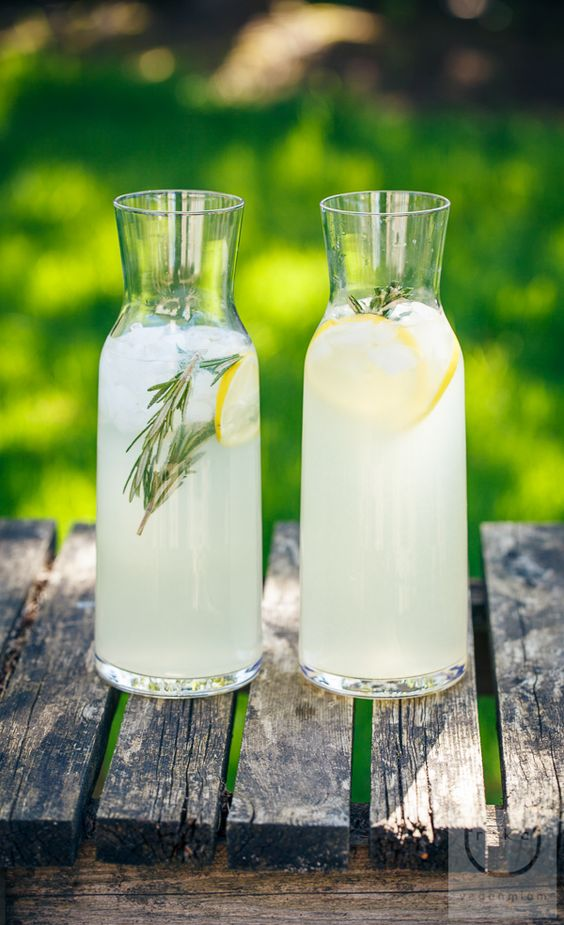 ROSEMARY LEMONADE: 	 4-6 medium lemons (makes about 1 cup) lemon slices, for garnish 4 sprigs of rosemary (plus more for garnish) 1 cup vegan sugar 6 cups water