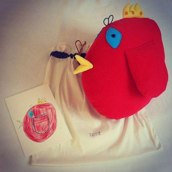 www.piccoloartista.com Dreams come true! Gabriel's bird is now a unique softie... Go on www.piccoloartista.com and make your dream come true! 💜  #piccoloartista #littleartist #kidsdrawing #softtoy