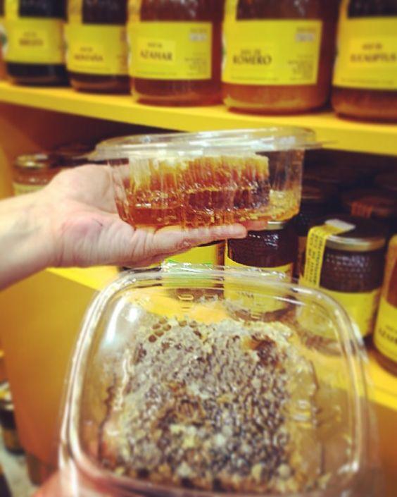 Miel de panal fresca en #LaHerboristería #Desde1979 #Benidorm #miel #mielpanal