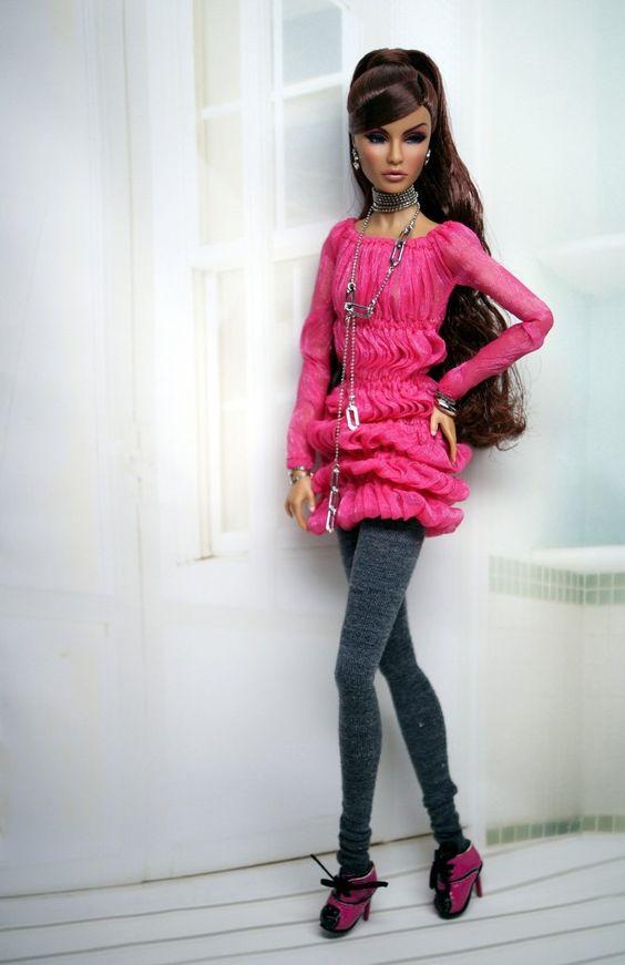 Rayna Models Dagamo Art