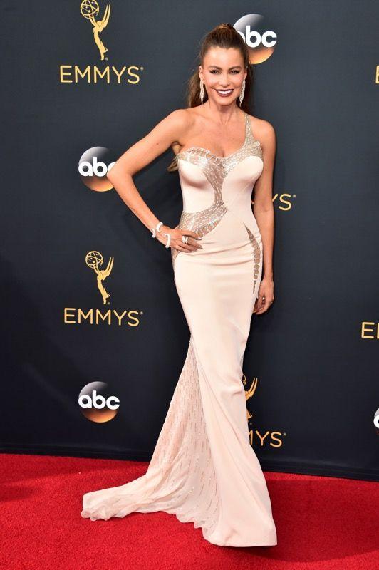 Sofia Vergara no tapete vermelho do Emmy 2016: