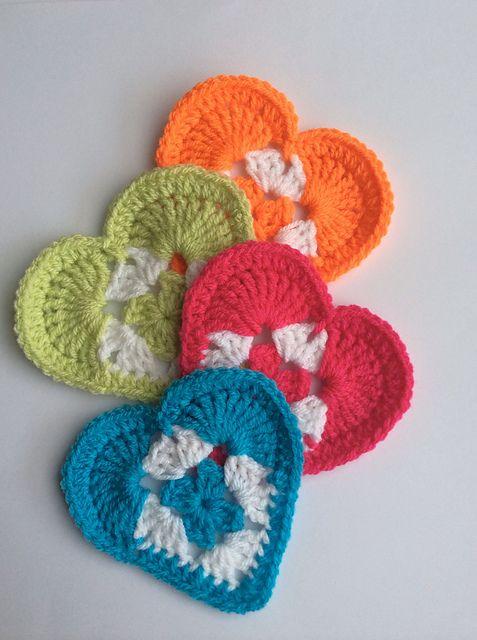 Granny Heart byKalpna Kapoor-This pattern isavailable forfreevia Ravelry. Pic© crochetandsmil...