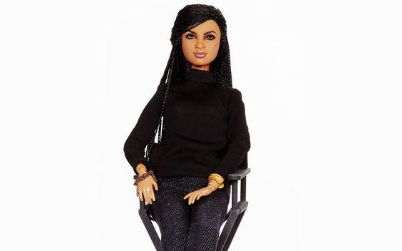 Esqueça as roupas sexy, o cabelo loiro e o cor-de-rosa: a nova Barbie é a cara de 2015