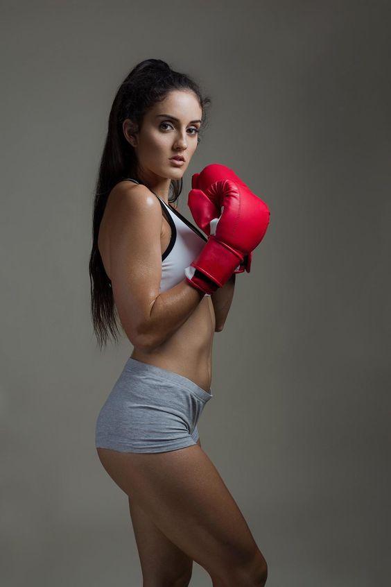 Fitness Photo Shoot with Stephanie - Gladstone Fitness Photographer - Nina K Photography