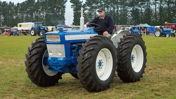 Ford County 654 Tractor. | Flickr - Photo Sharing!