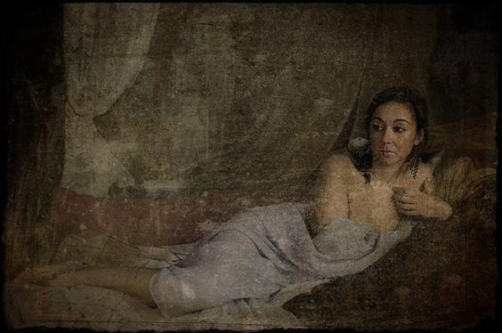 """Otra instantánea de la colección de """"Mujeres barrocas"""". Un tema inspirado en pinturas aparecidas en la ciudad romana de Pompeya."""