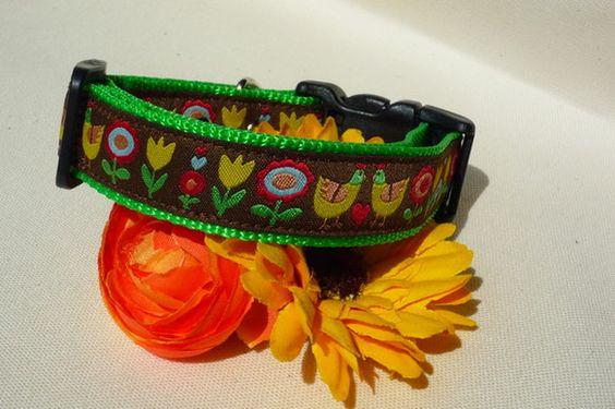 首輪のオーダーお受けいたします。良質な Oeko Tex Standard認証の織りリボンを使用しています。童話に出てきそうなお花とニワトリがキュートです(*...|ハンドメイド、手作り、手仕事品の通販・販売・購入ならCreema。