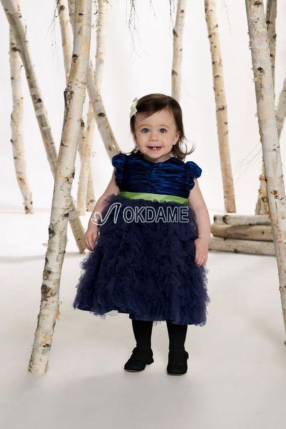 Kurze Ärmeln Taft Juwel Ausschnitt Blumenmädchenkleid mit mehrschichtigen Rüsche für dünne Frau $199.99 Blumenmädchenkleider