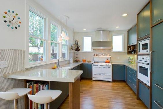 Moderne Küche In G Form Mit Grünen Küchenschränken | Küche Möbel   Küchen    Kücheninsel | Pinterest