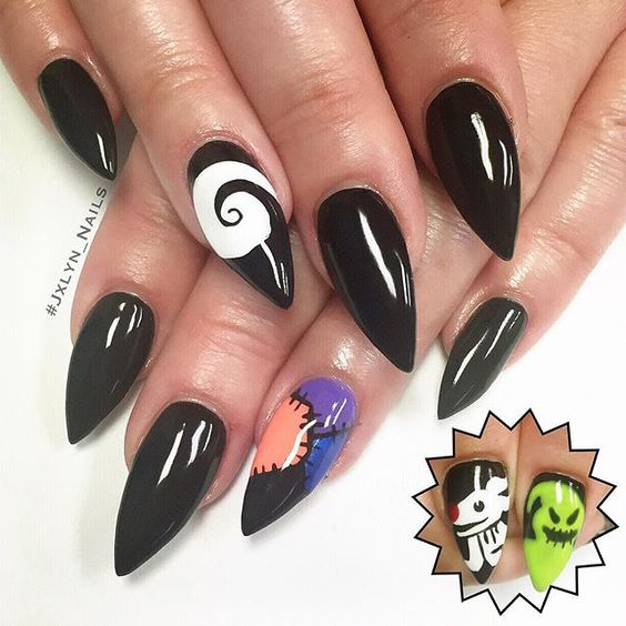 #nails #nailart #nailporn #stilettonails #gelmani #gelnails #halloween #halloweennails #blacknails #nightmarebeforechristmas #nightmarebeforechristmasnails #vegasnails #vegas #jxlyn_nails