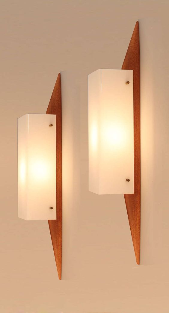 Pair of 1950s Midcentury Modernist Teak Sconces Style, Entryway and Finals