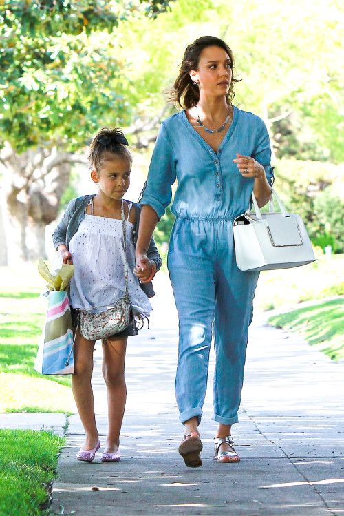 Jessica Alba Takes Her Daughter Honor To A Birthday Party