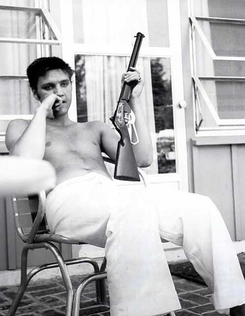 Elvis, only one man has ever been that cool.: Elvis Shotgun, Movies Movement, Elvis King, Music Movies, Rifle, Elvis Presley Movies, King Elvis, Beautiful People