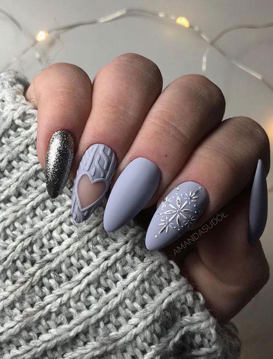 9 Snowflake Nail Art Designs Winter Nail Design Ideas Do It