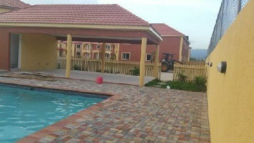 2 Bedroom For Rent In Kingston Di 2020