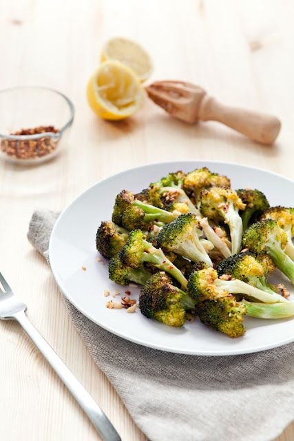 roasted broccoli w/ red chili flakes & garlic.: Clean Eating Ideas, Sides Food, Food Drink, Foodie Roasted