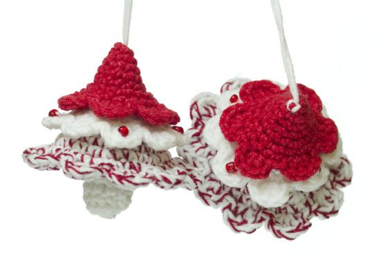 Free Crochet Patterns For Mini Christmas Ornaments : Little Xmas tree ornaments. Free pattern. Crochet ...