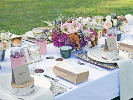Host a Wintertime Picnic in the Park : Decorating : Home & Garden Television