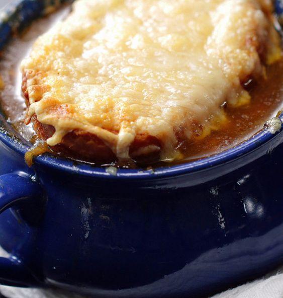Französische Zwiebelsuppe | Passt gerade richtig gut: Diese französische Zwiebelsuppe