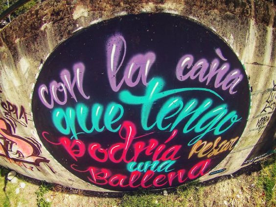 """""""Con la caña que tengo podría pescar una ballena"""" #Chile #chilegram #graffiti #streetart #street #streetphotography #graffiti by homfiu"""