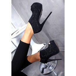 I Love Shoes, Bags & Boys - Powered by SocialDOE