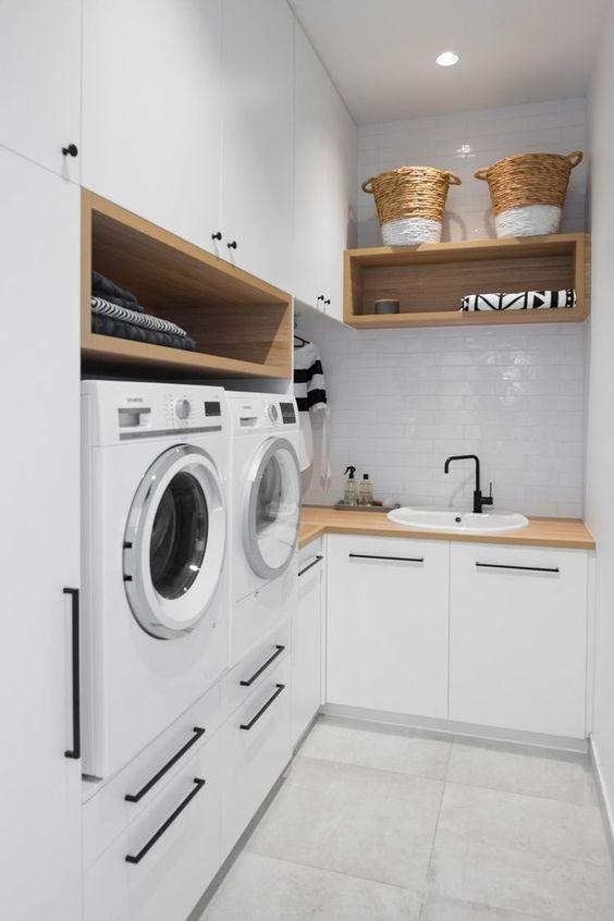 #lavanderia #lavanderiaplanejada #areadeservicos #parededetijolinho #laundryroomdecor #laundryroomdesign #subwaytile