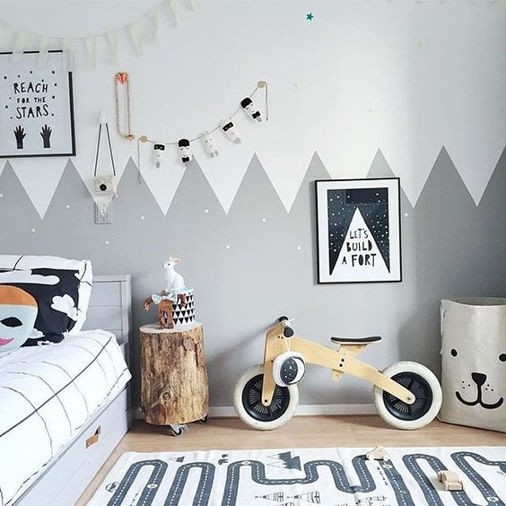 Kid's room inspiration: this room is pure monochrome magic! 📷 by @selinej #kids #kidsroom #kidsbedroom #monochrome #barnuminspo #interiors #instadecor #interiorstyling #nurserydecor: