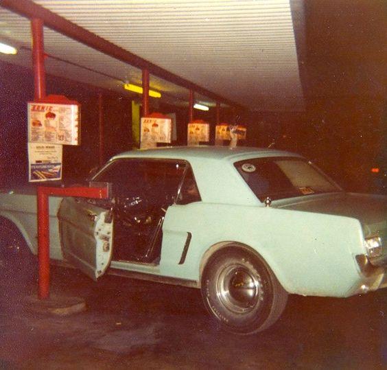 Vintage Mustang Pic