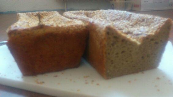 Roggen Dinkel Brot mit Sonnenblumenkerne und Sesam