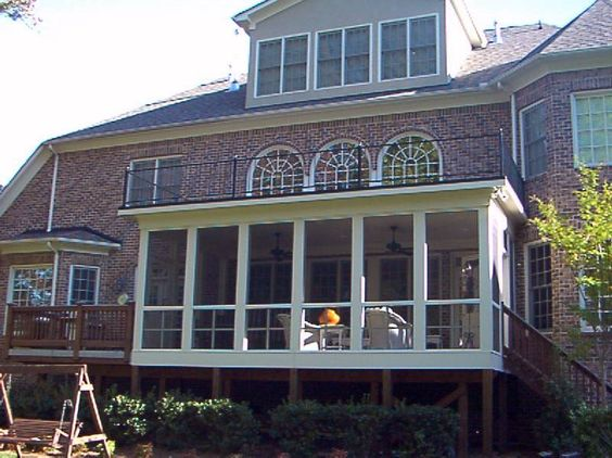 Screened in porches porch 2 flat roof with i ron railing for Flat roof porches