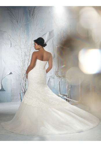 Robe de mariée grande taille dentelle cristal col en coeur