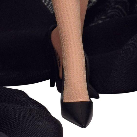 Barbie - Audrey Hepburn en Sabrina, muñeca fashion (Mattel X8277): Amazon.es: Juguetes y juegos