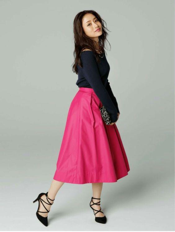 ピンク色のスカートが可愛い石原さとみ