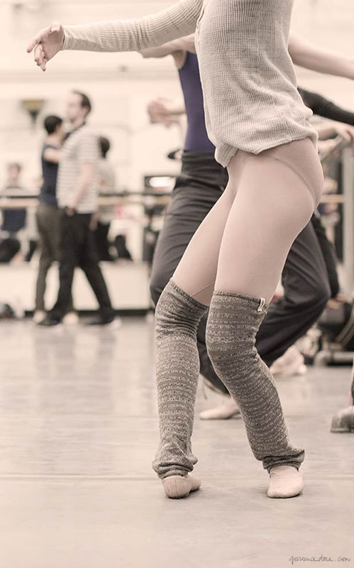 New York City Ballet, warm up, ballerina / Garance Doré: