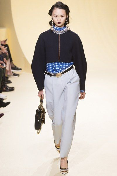 See the complete Marni Fall 2016 Ready-to-Wear collection.