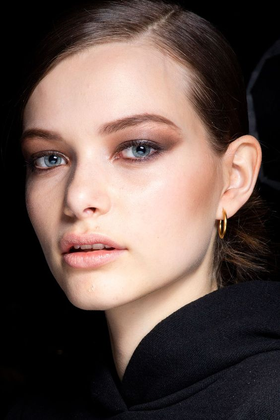 Autumn/winter 2019 make-up trends - Catwalk beauty trends AW19